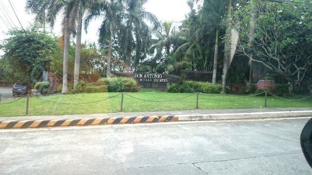 Lot for sale in Don Antonio Royale in Commonwealth Ave Quezon City - 0