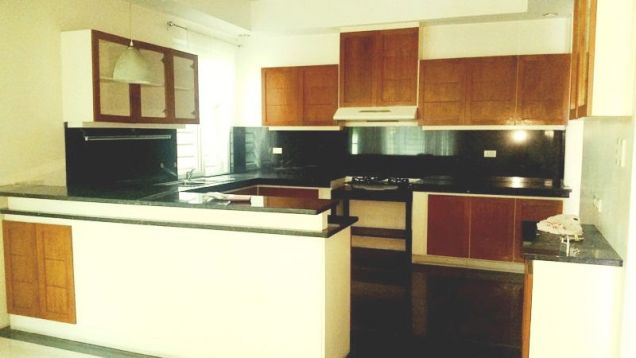 3 bedroom House with swimming pool for rent in Friendship - 75K - 6