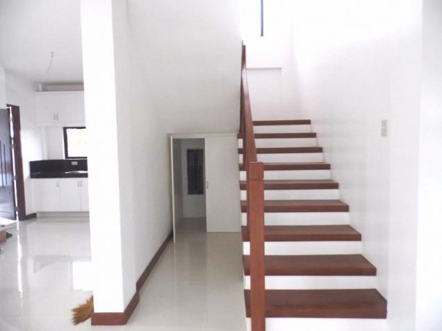 Semi furnished house and lot for rent in Angeles with 3BR - 80K - 9
