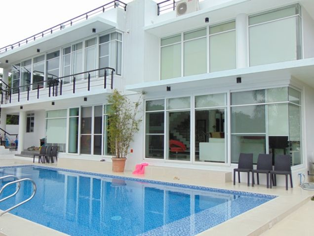 5 Bedrooms Furnished House with Swimming PoolFor Rent in Maria Luisa, Banilad, Cebu City - 0