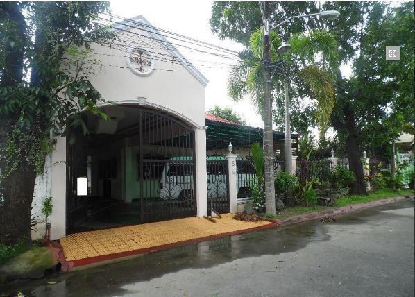 4 Bedroom Bungalow House FOR RENT - 35K - 5