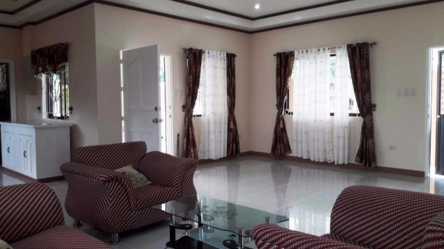 Bungalow House for rent with 3 bedrooms in Friendship very near to Clark - 7