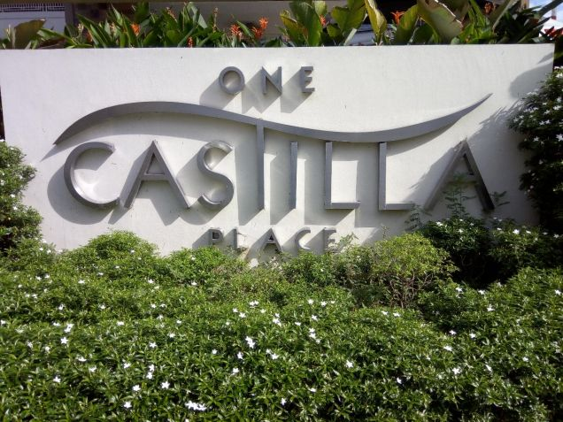 One Castilla Place 2 br in QC near Greenhills, Ortigas Center,Robinsons Galleria - 3
