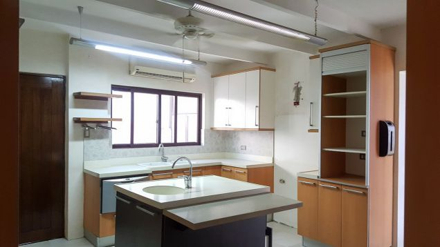 Spacious 4 Bedroom House for Rent in Maria Luisa Estate Park - 7