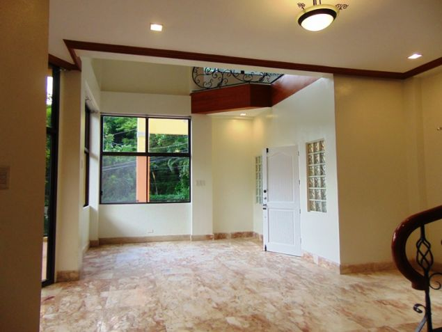 Banilad House for Rent 6 Bedrooms Un-furnished - 9