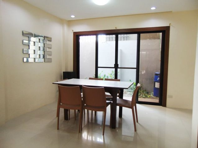 4 Bedroom Apartment for Rent in Guadalupe, Cebu City, Semi Furnished - 1