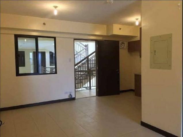 2 Bedroom End Unit Cypress Towers in Taguig near Acacia Estates, BGC, Mckinley - 0
