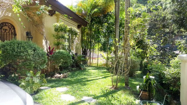 Beautiful 4 Bedroom House with Swimming Pool for Rent in Maria Luisa Estate Park - 7