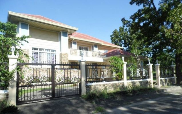 5 Bedroom Elegant House with Big Yard for rent in Angeles City - 0