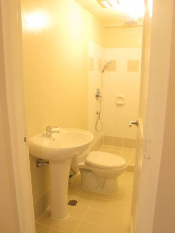 ready for occupancy condo unit 2br rooms 64qm nr makati city - 5