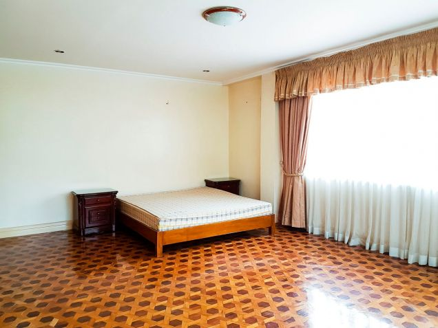 Spacious 7 Bedroom House for Rent in North Town Homes - 5