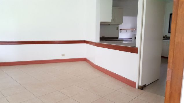 Spacious 4 Bedroom House for Rent in Cebu City Banilad - 9