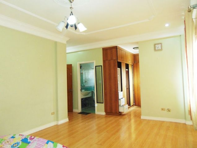 Fully Furnished House with 6-Bedrooms For Rent in Banawa, Cebu  City - 9