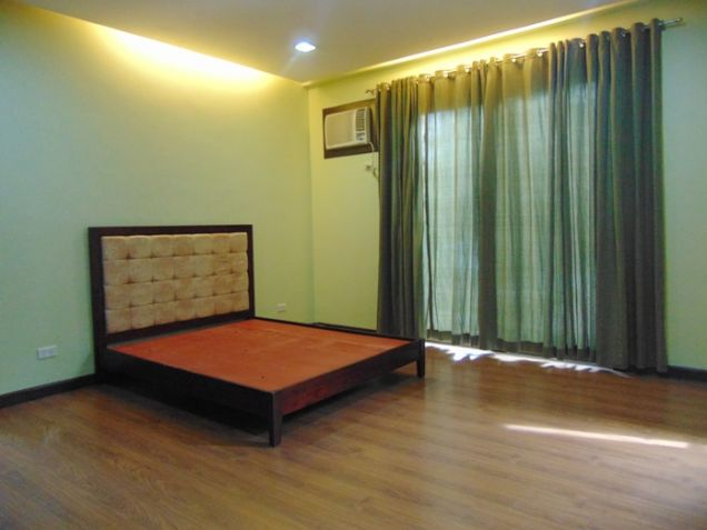 3 Bedrooms House for Rent in Banilad, Cebu City Semi-Furnished - 8