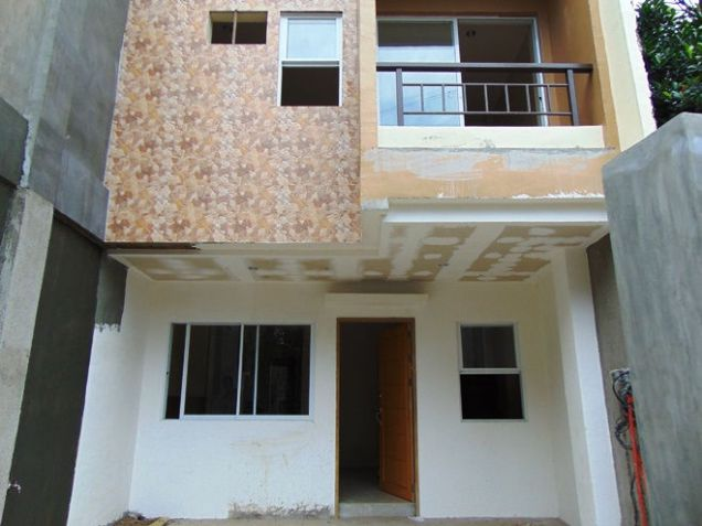 Townhouse or Apartment for Rent in Lahug, Cebu City 3 Bedroom - 0