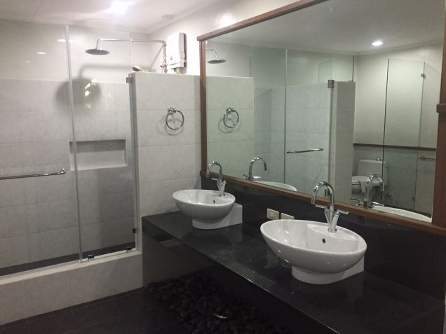5 Bedroom House for Rent in Dasmarinas Village, Makati City - 9