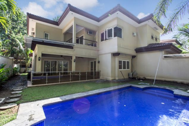 4 Bedroom House for Rent with Swimming Pool in Maria Luisa Park - 7