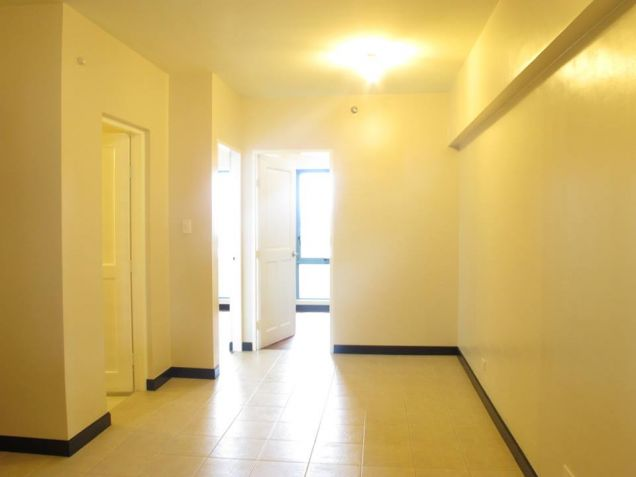 ready for occupancy condo unit 2br rooms 64qm nr makati city - 0
