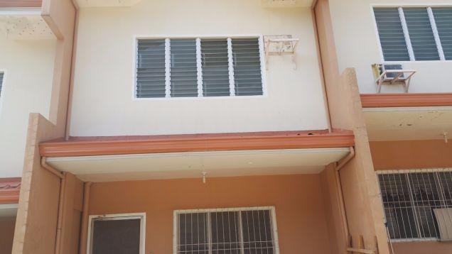 3 bedroom townhouse duterte st. banawa cebu city - 1