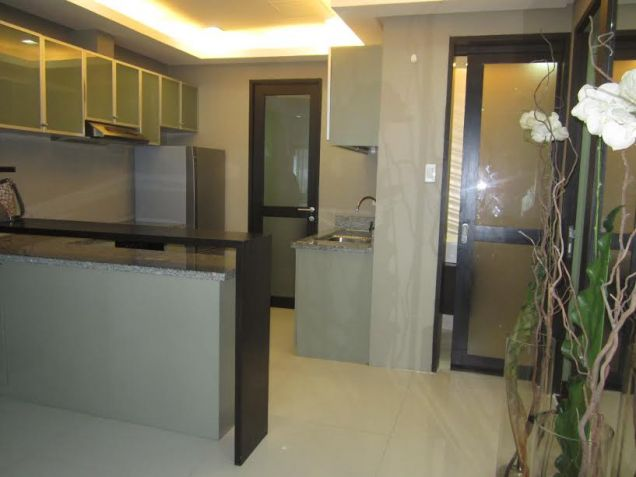 3 bedroom Sapphire Residences BGC - 7
