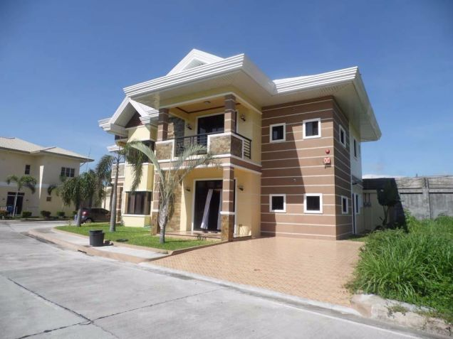 (2) Two Bedroom Fully Furnished For Rent Located at Angeles Sports Club - 5