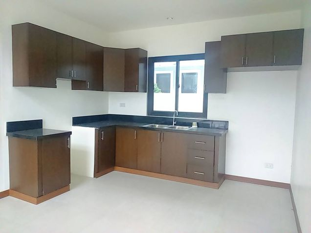 House and lot for rent inside a gated Subdivision in Hensonville - 50K - 4