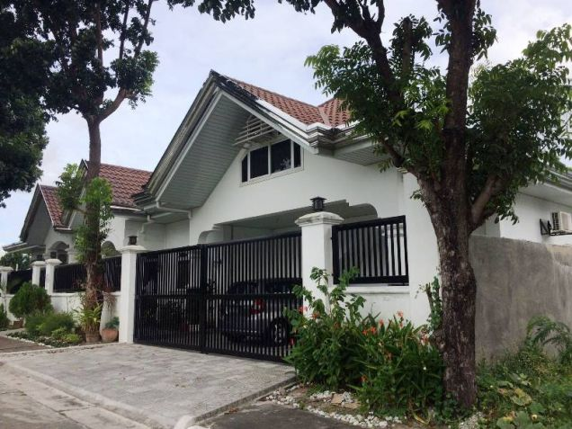 4 Bedroom House with Swimming Pool for Rent in Pandan - 65K - 0