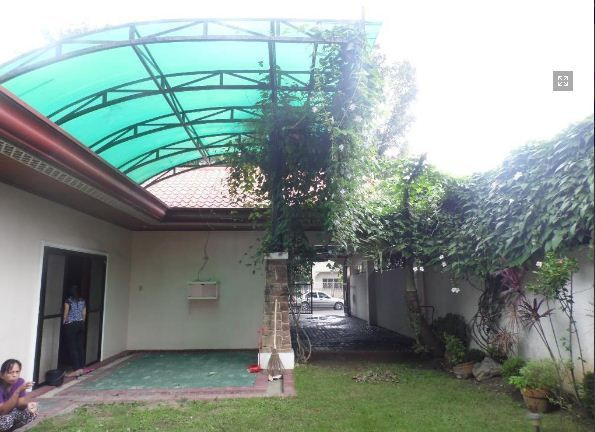 4 Bedroom Bungalow House FOR RENT - 35K - 2