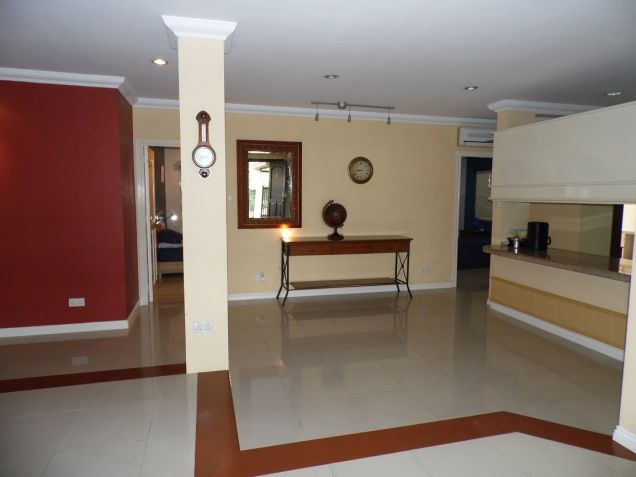 Spacious Bungalow House with swimming pool for rent - P75K - 7