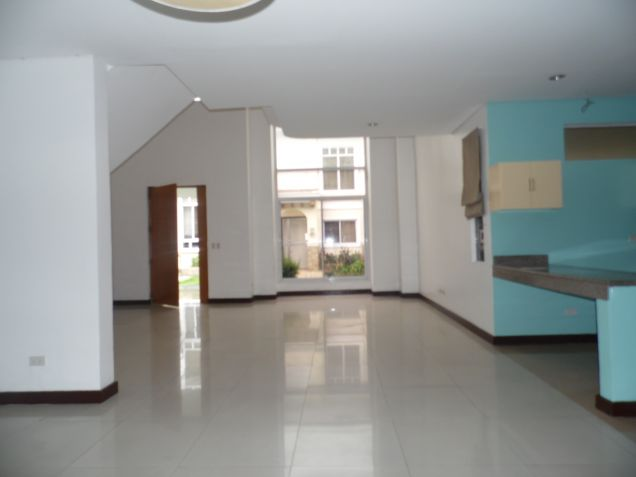3 Bedroom Spacious Town house for Rent in Friendship - 5