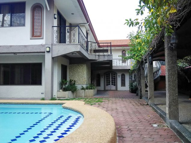Large 4 Bedroom House with Swimming Pool for Rent in Cebu City Talamban Area - 3