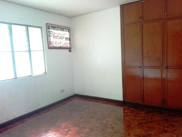 550sqm Bungalow House & lot for rent in Frienship,Angeles City - 4