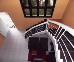 Town House with 4 Bedrooms inside a Secured Subdivision for rent - P35K - 6