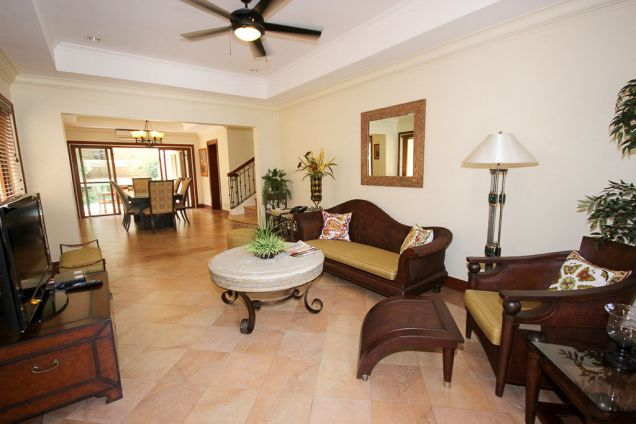 4 Bedroom House for Rent with Swimming Pool in Banilad - 0
