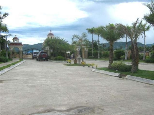 For Rent Gorgeous 4 Bedrooms Beach House in Minglanilla Cebu - 3