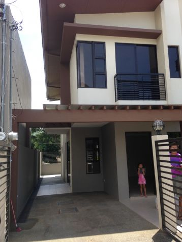 House and Lot 4 Bedrooms for Rent in Talamban, Cebu City - 1