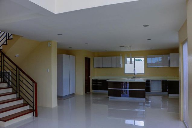 4 Bedroom House for Rent in Mactan Tropics Subdivision - 6