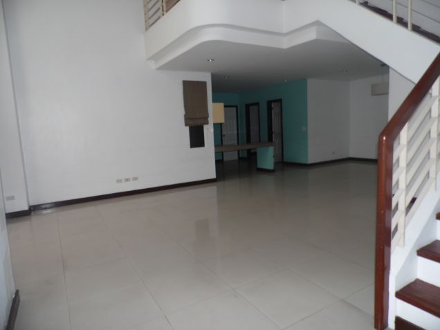 3 Bedroom Spacious Town house for Rent in Friendship - 3