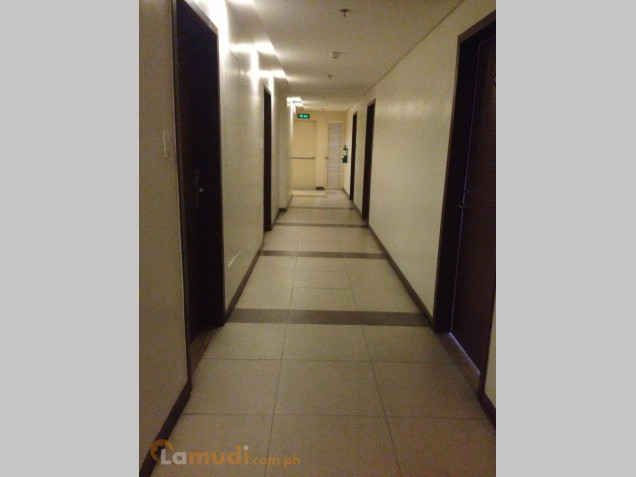 ready for occupancy studio type condo unit near at shangrila hotel - 3
