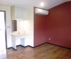 4 Bedroom 3 storey town house and lot for rent in angeles city - 7