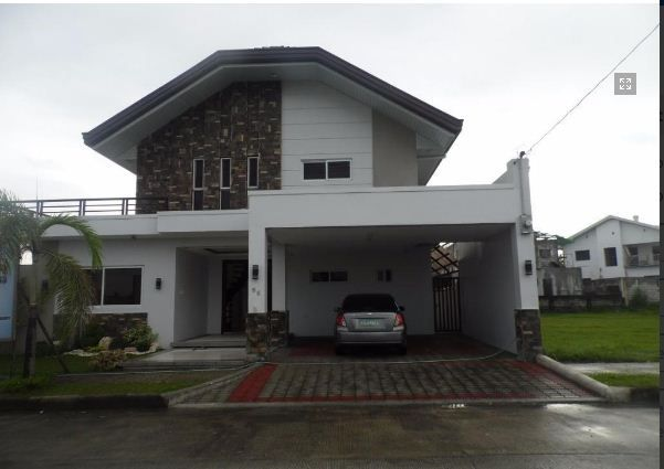 5Bedroom w/pool house & Lot for RENT in Hensonville Angeles City.. - 1