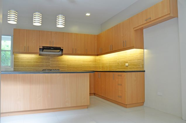 Banilad 4 Bedrooms Bungalow House in Exclusive Subdivision unfurnished, P100K - 3