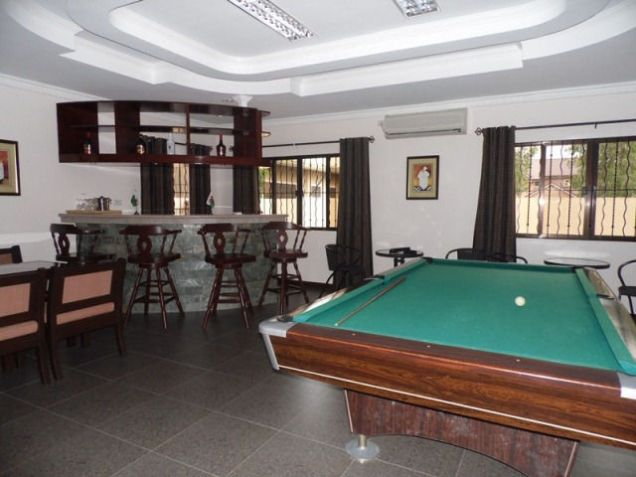 House and lot w/ 7 Bedroom & Pool for rent for P180K - 3