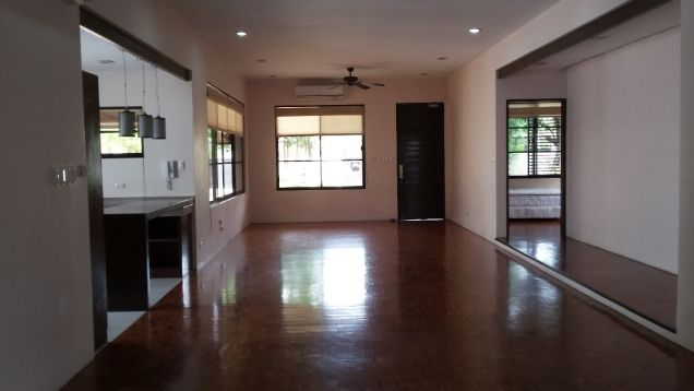 Spacious Bungalow House for Sale in Lahug - 7