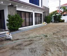 W/POOL 2-storey House & Lot for rent in Hensonville Angeles City.. - 2