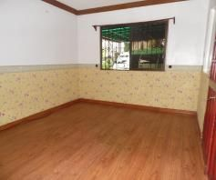 Bungalow House with 4 Bedrooms for rent - 35K - 3
