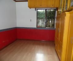 Bungalow House with 4 Bedrooms for rent - 35K - 7
