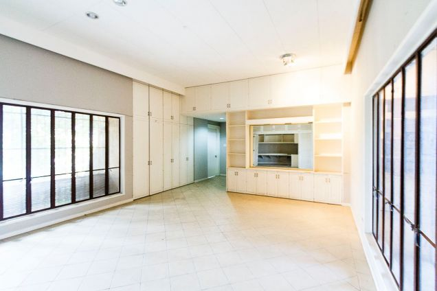 Large 5 Bedroom House for Rent in Maria Luisa Park - 5