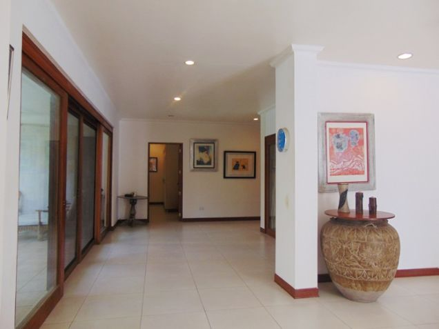 4 Bedroom Bungalow House with Swimming Pool for Rent in Banilad, Cebu City - 2