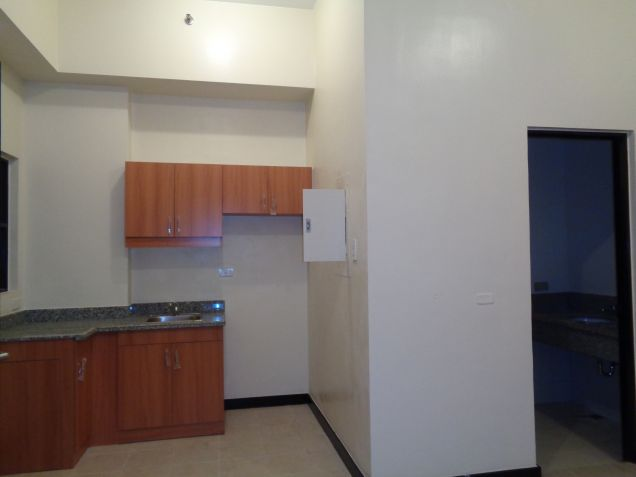 DMCI Taguig Affordable 2BR Condo Cypress Tower Ready for occupancy nr Fort - 1